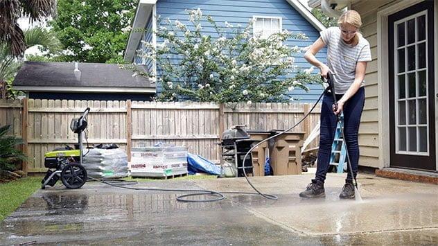 Chelsea presión lava el patio