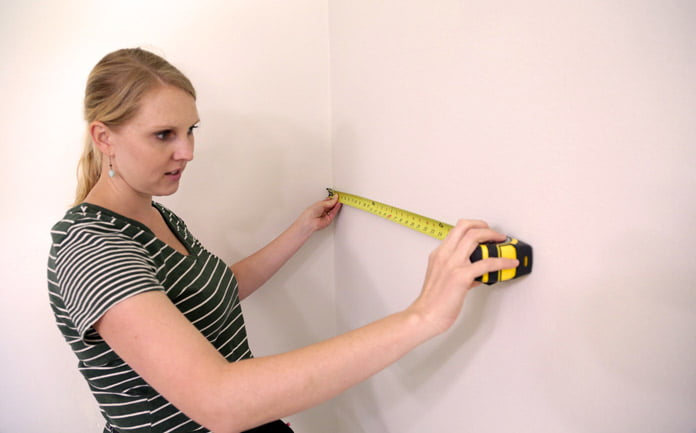 Chelsea Lipford Wolf mide la pared
